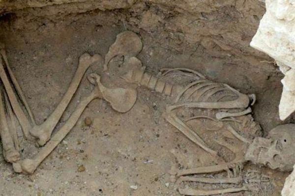کشف بقایای اسکلت یک انسان دوران ساسانی در شهر طالخونچه