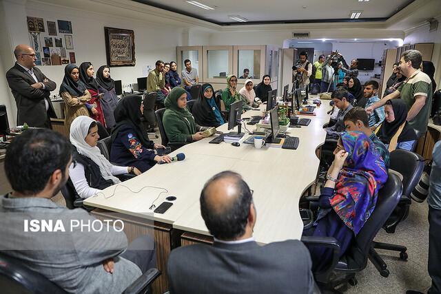 تحریریه خبرنگاران نوجوانی را تجربه کرد