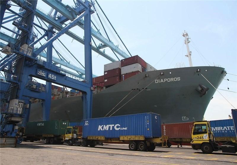 نخستین کشتی لاینر خط RCL تایلند در بندر شهید رجایی پهلو گرفت