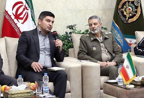 ملاقات اعضای هیئت فرزندان شهدای اسلام با فرمانده کل ارتش