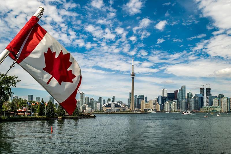 فرمانده ارتش کانادا در آستانه برکناری نهاده شد