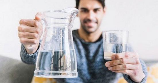 درباره نوشیدن آب؛ کدام درست و کدام غلط است؟
