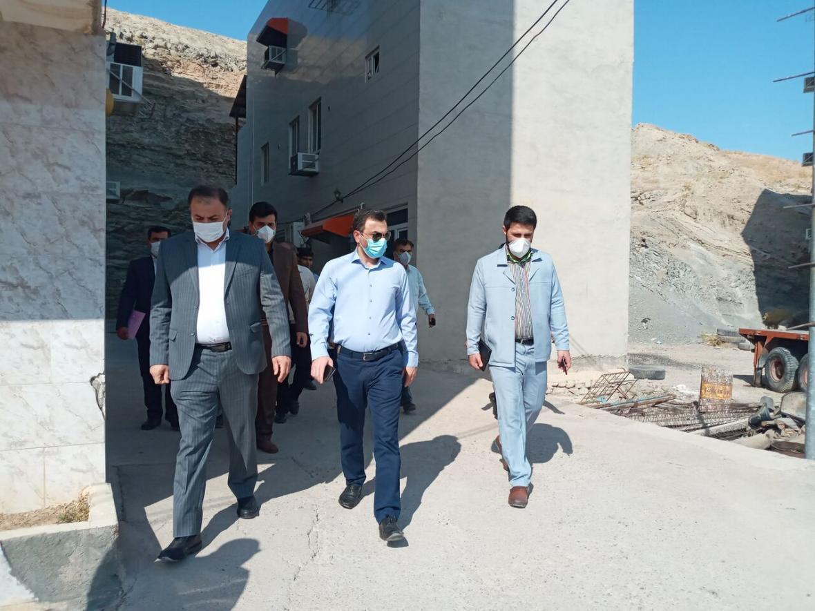 خبرنگاران درجاسازی منازل زلزله زده مسجدسلیمان تا آخر سال جاری به اتمام می رسد