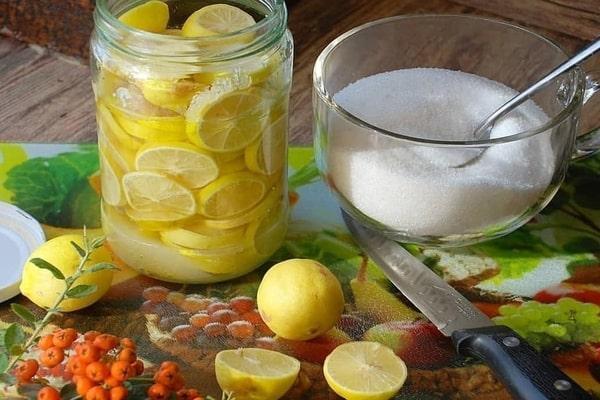 طرز تهیه ترشی لیمو