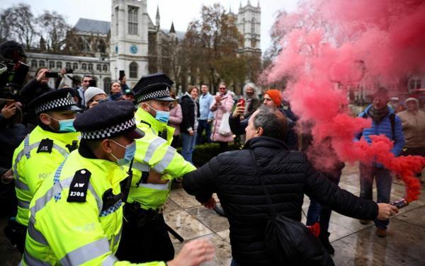 لندنیها به خیابان ریختند