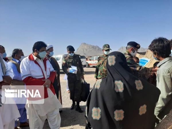خبرنگاران دومین کاروان سلامت هلال احمر به مناطق محروم خاش اعزام شد