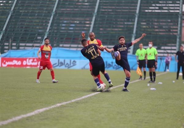 لیگ برتر فوتبال، فزونی یک نیمه ای نساجی مقابل فولاد