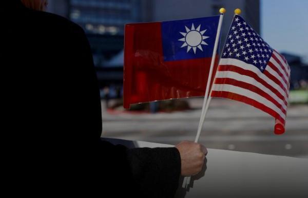 سفر سناتورهای آمریکایی به تایوان با یک هواپیمای نظامی ، اهدا واکسن کرونا
