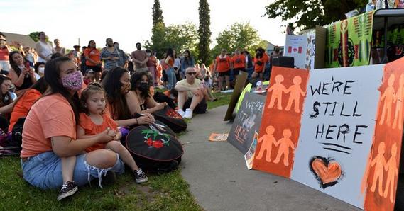 خشم بومیان کانادا از واکنش منفعلانه پاپ به گور جمعی 215 کودک