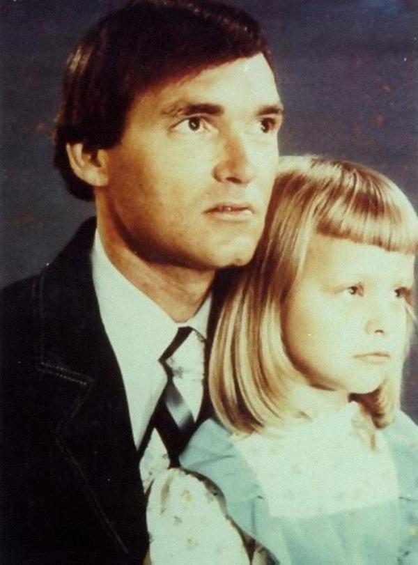 یک عکس عادی از یک پدر و دختر، اما &amphellipداستان فرانکلین دلانو فلوید و سوزان ماری سواکیس