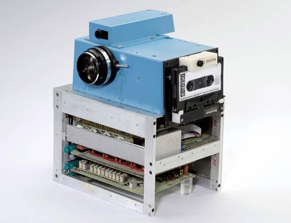 اولین دوربین دیجیتال در 37 سال پیش
